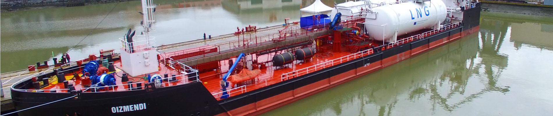 Primer buque transformado para suministro de LNG